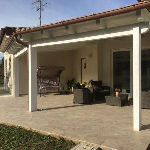 realizzazione casa in legno portico